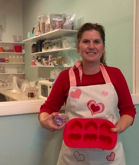 Watch Kelly Bruning of Soaps & Such do live demos!