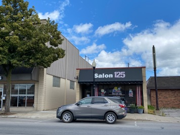 The front of Salon 125.
